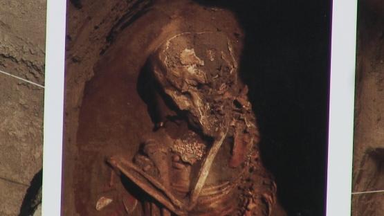 Restos humanos encontrados bajo el templo