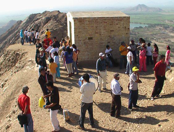 Ermita en el alto del cerro